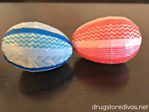 Looking for a fun Easter craft? Check out these DIY Washi Tape Easter Eggs from www.drugstoredivas.net.