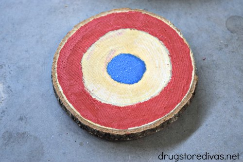 #ad These DIY Painted Patriotic Coasters from www.drugstoredivas.net are a perfect addition to your July 4th party, Memorial Day BBQ, and more!