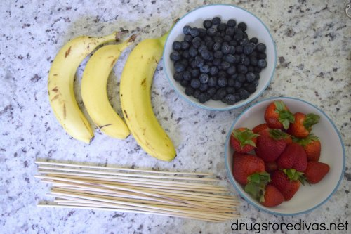 For your next Memorial Day BBQ menu, or if you're looking for a July 4th dessert, check out this Patriotic Fruit Flag recipe from www.drugstoredivas.net.