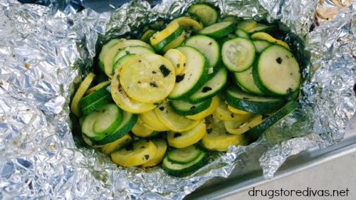 If you're grilling, be sure to add a healthy side with these Foil-Packet Grilled Vegetables from www.drugstoredivas.net.