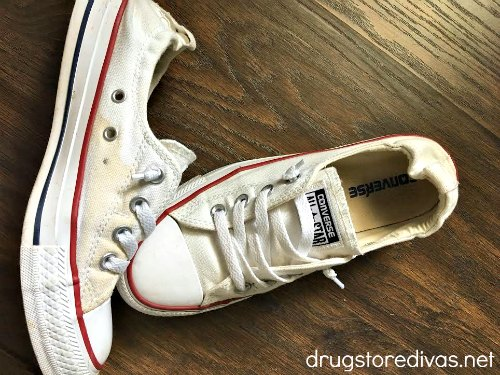 Did your white sneakers get dirty? Find out how to clean white sneakers in this post from www.drugstoredivas.net.