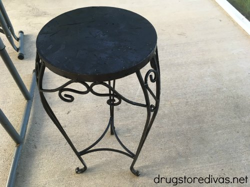 Don't throw your old tables in the trash. Instead, learn how to upcycle an old table on a budget in this post from www.drugstoredivas.net.
