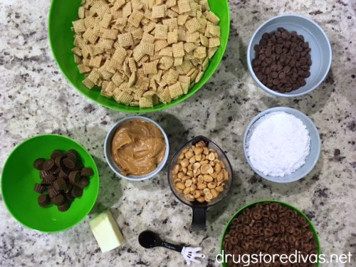 #ad Looking for a snack for your sweet and salty craving? Peanut Butter Chocolate Muddy Buddies is perfect! Get the recipe at www.drugstoredivas.net.